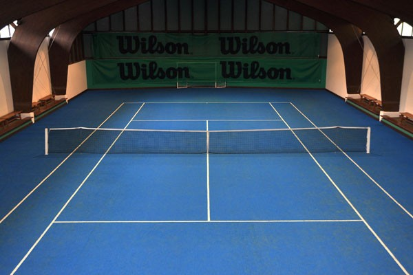 Campo indoor al Tennis Country Club di Cortina